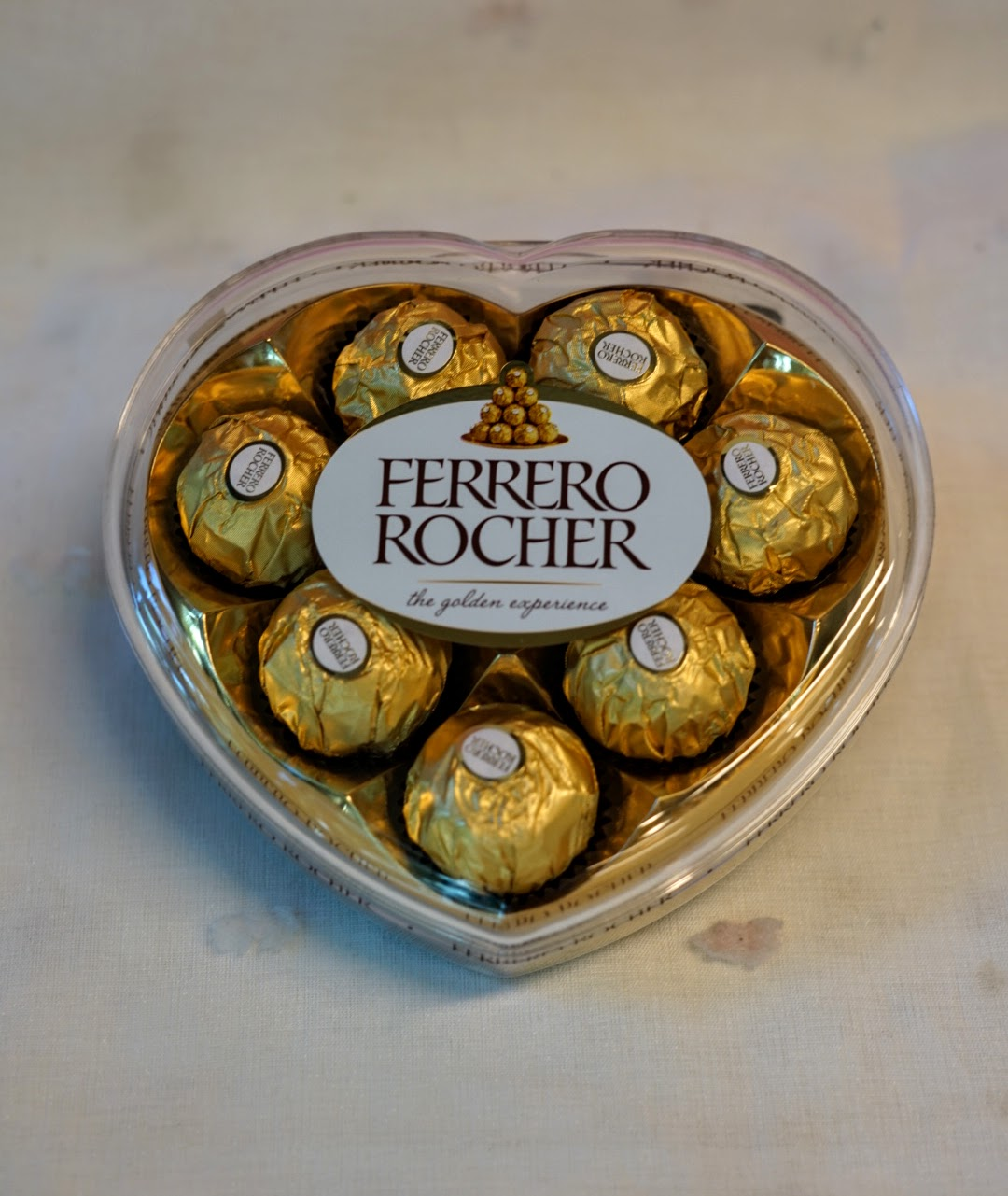Ferrero Rocher Heart   Flower, Chocolate, snacks and gift delivery in Seoul  and South Korea - Korea's most trusted online flower and gift store with  English service and 350+ reviews