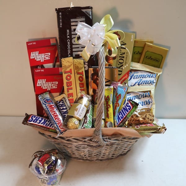 Chocolate Gift Baskets: Flower, Chocolate, Snacks And Gift