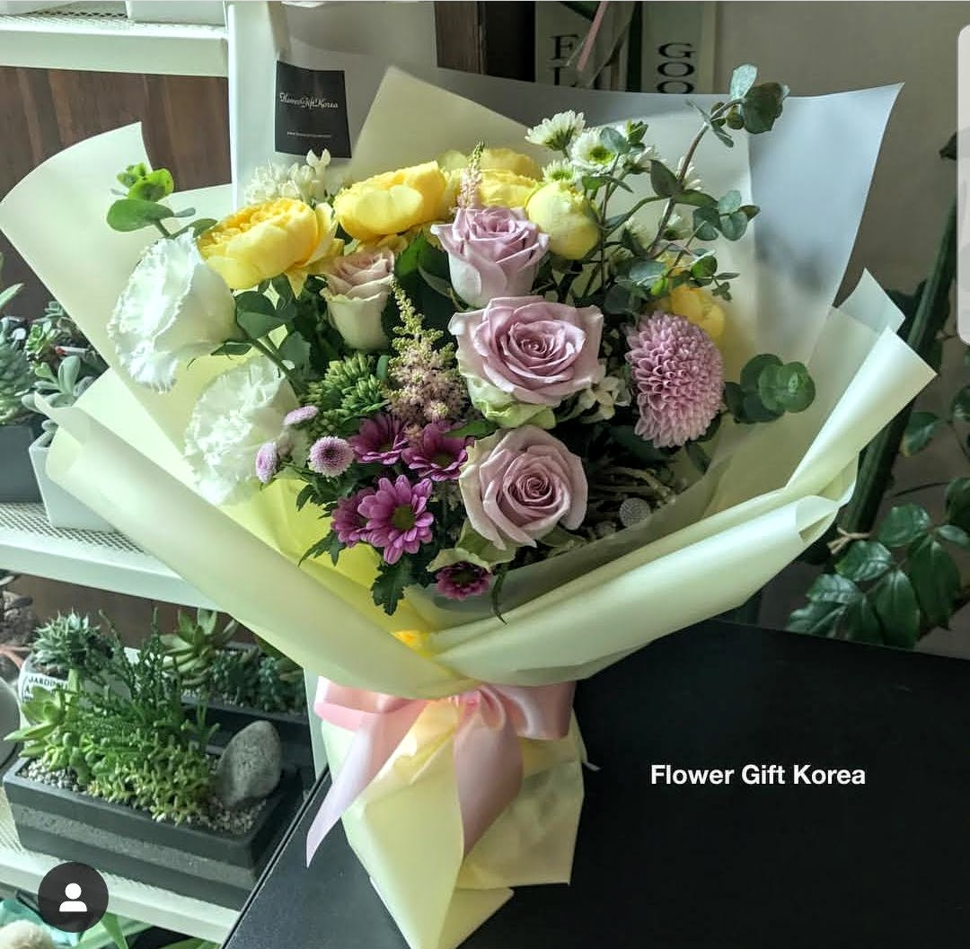 Florist Design Flower Bouquet Flower Chocolate Snacks And Gift Delivery In Seoul And South Korea Korea S Most Trusted Online Flower And Gift Store With English Service And 350 Reviews