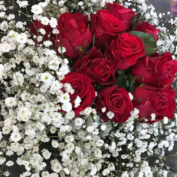 Roses And Baby S Breath Bouquet Flower Chocolate Snacks And Gift Delivery In Seoul And South Korea Korea S Most Trusted Online Flower And Gift Store With English Service And 350 Reviews