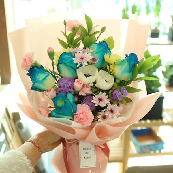 Spring Flower Bouquet Flower Chocolate Snacks And Gift Delivery