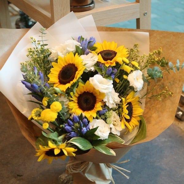 Sunflower smile bouquet flower gift korea star